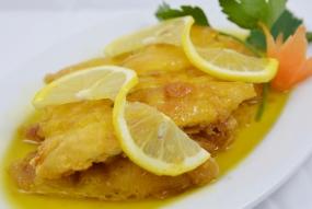 Pollastre amb salsa de llimona