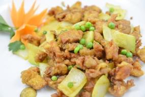 Pollo con curry y 5 especies